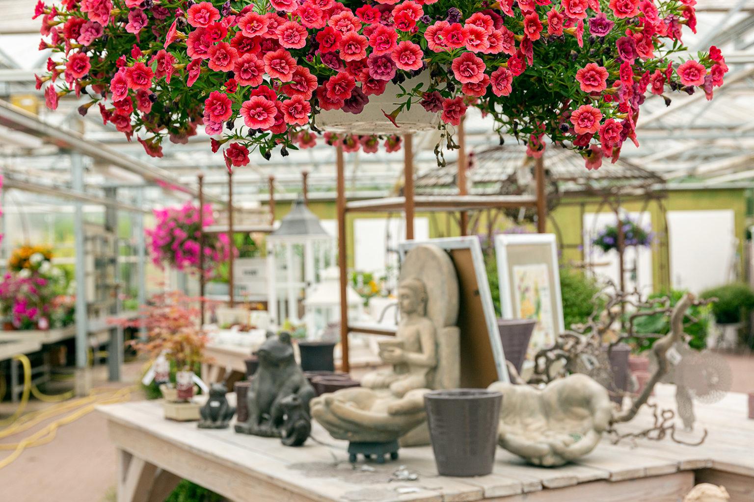 Blumen, Gemüse und Dekoration